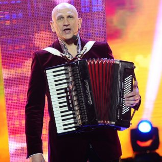 Dainininkas EDMUNDAS KUČINSKAS